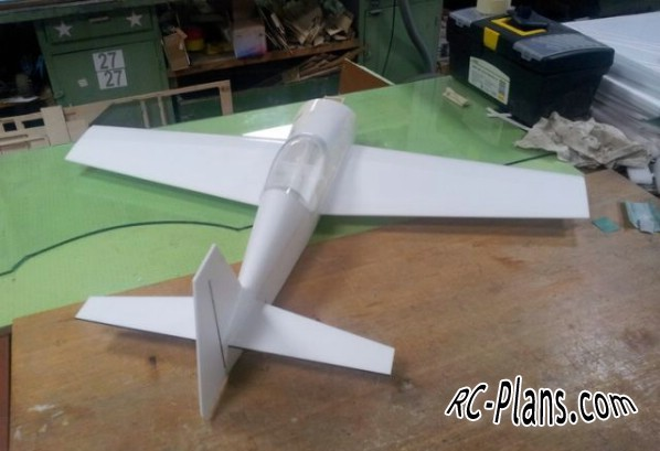 free plans rc airplane Extra 300S