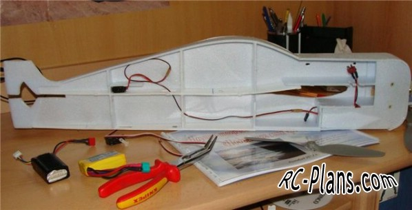 Free plans for rc flying wing ElectroManiac