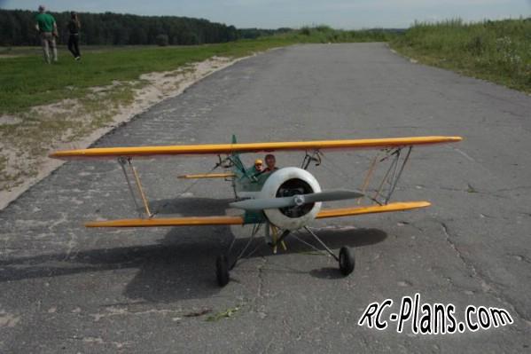 Free plans for rc biplane Waco UPF-7