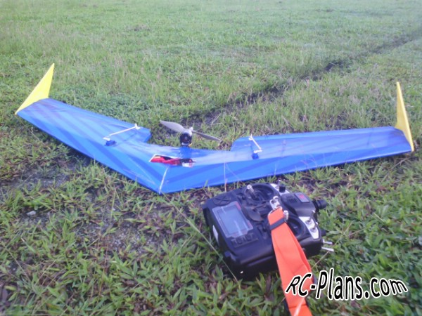 rc flying wing Zagi